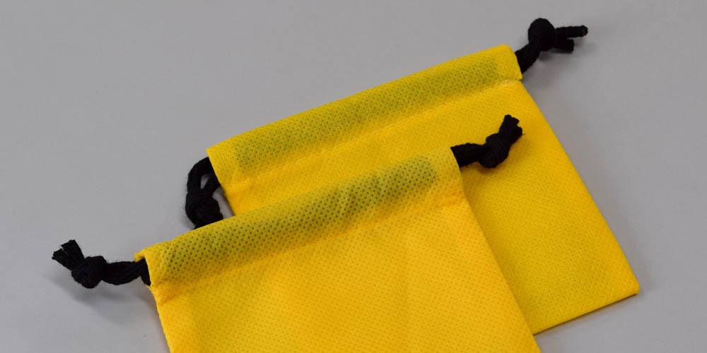 精密機械等の製品納品保護用 不織布巾着袋(小サイズ)