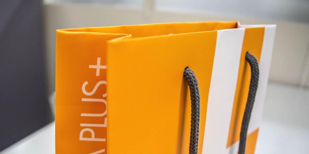 プラスチック形成メーカー様向け企業販促・イベント用紙袋