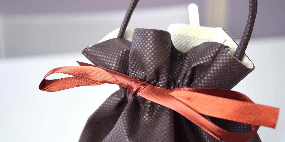 和菓子販売・ディスプレイ、ギフト用不織布リボン巾着袋
