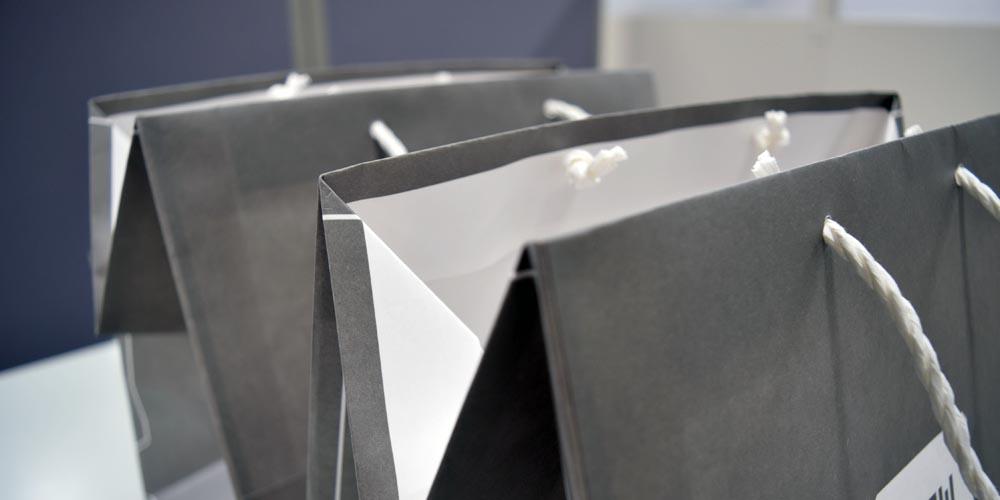 高級和牛ショップ様向けの持ち帰り用手提紙袋(大)(パール印刷)