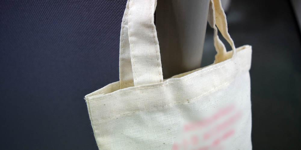 有名アクセサリーメーカー様向けノベルティの帆布エコバッグ