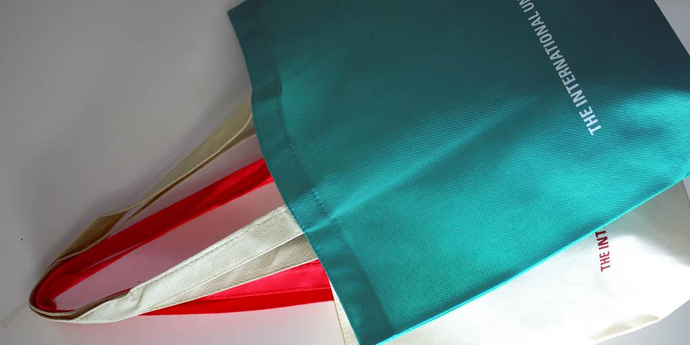 納期は一緒!色違い2パターンで作る不織布手提袋