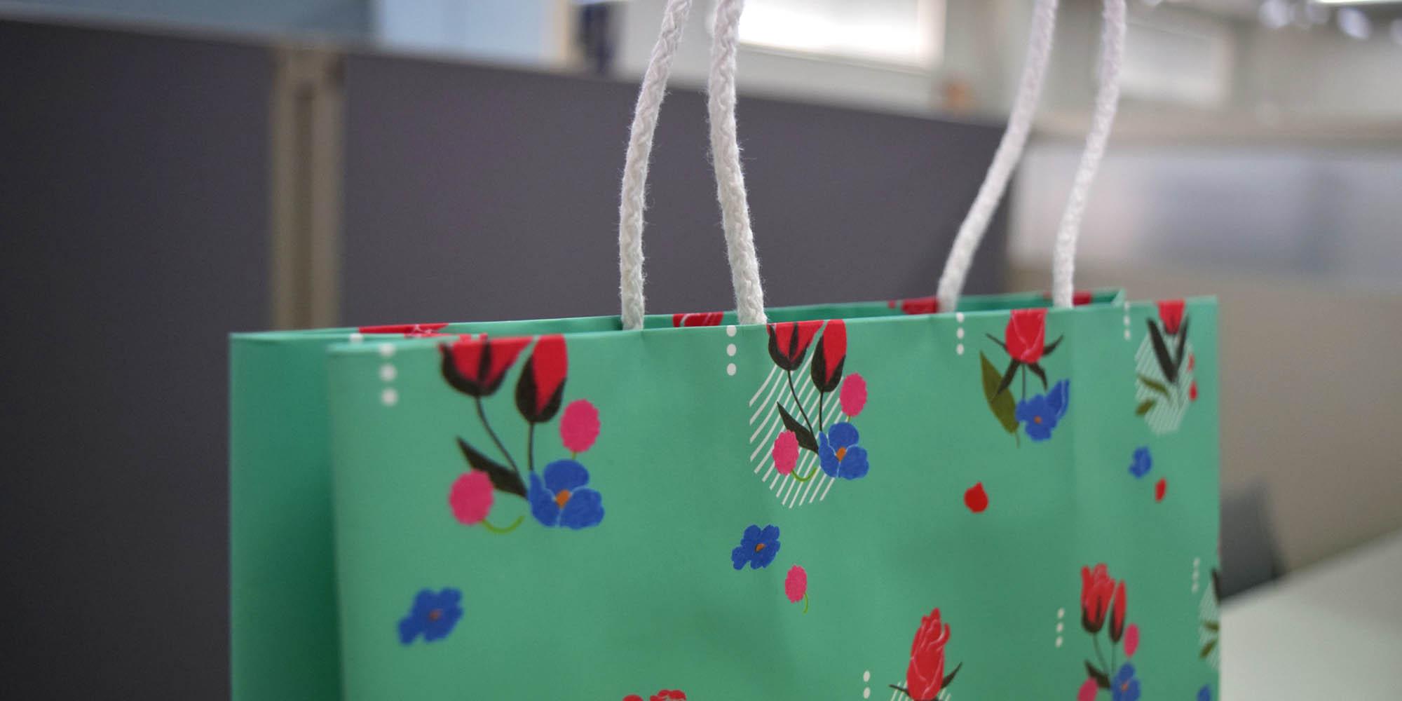学校のオープンスクールイベント用+普段使い用の、低価格フルカラー手提げ紙袋